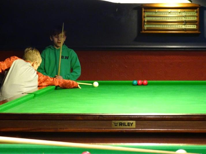 Trick Shot that Confuses Dad - Red is Potted